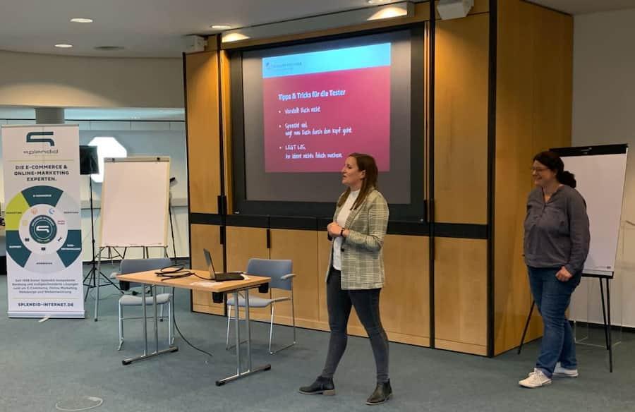 Vortrag des Orga-Teams zu Beginn des Usability Testessens